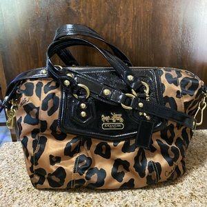 Coach medium size purse